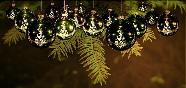 christmas-1709184_640.jpg
